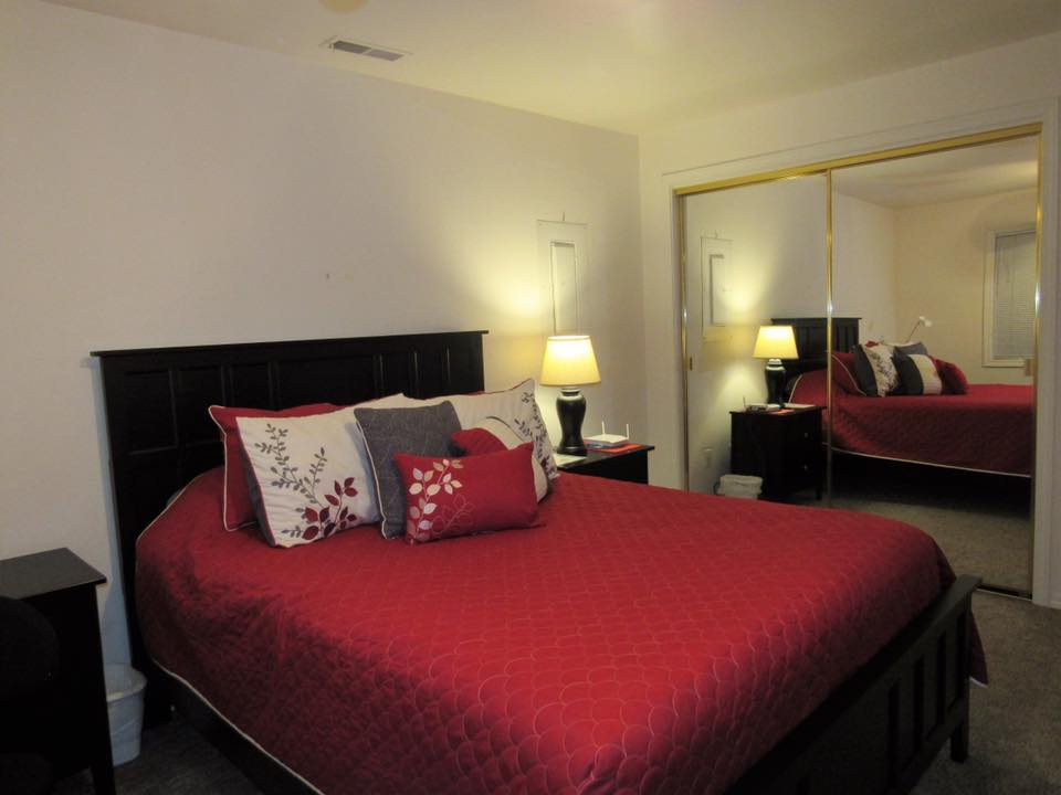 Thode Room Booking